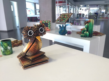 Load image into Gallery viewer, Owl sculpture (Mom & Baby owls included)