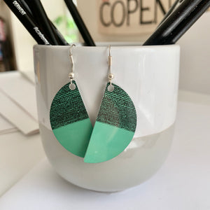 Balance Arc Earrings - Green (New)