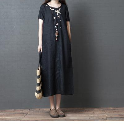 【50% OFF】2020 Loose retro embroidered round neck midi dress