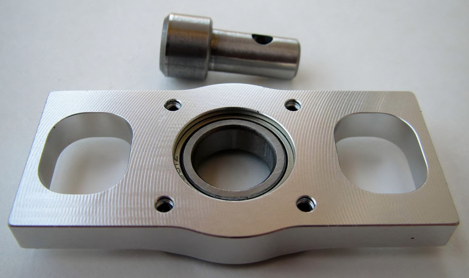 AT700-TBB Triple Bearing Block and Main Shaft Extension for ALIGN T-Rex  700/800 Series Helicopters