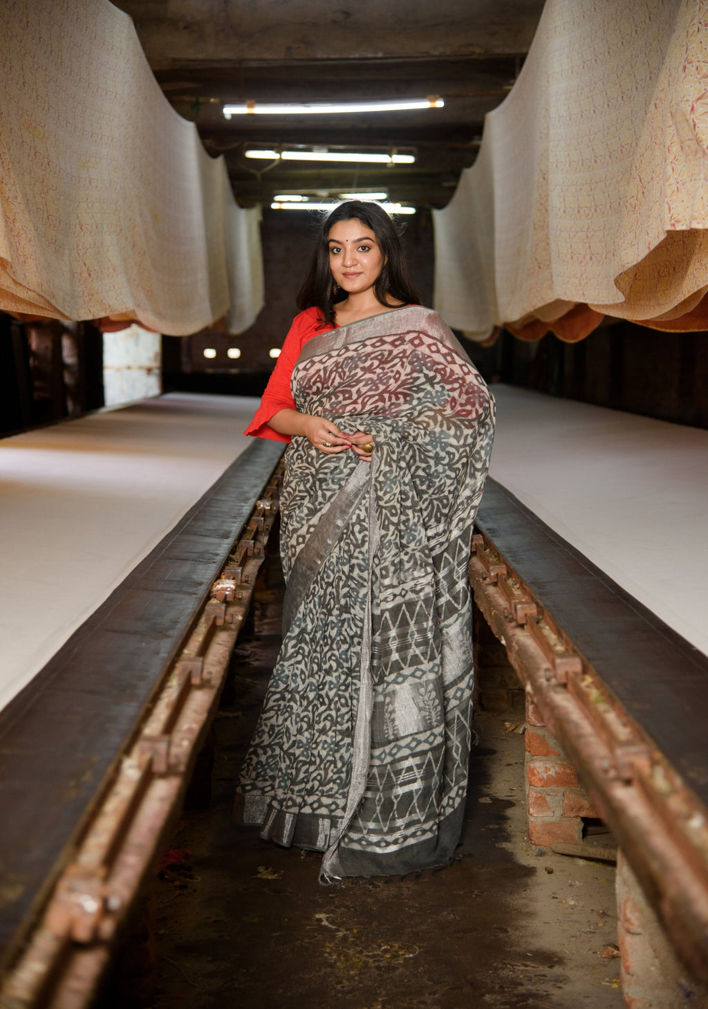 Linen Saree in Dabu Block Print