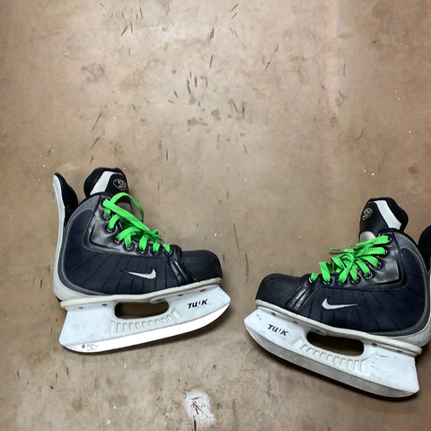 Used Nike Quest2 2 EE Skate