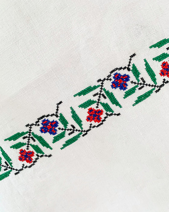 Folk Embroidered Linen Runner