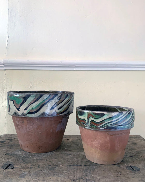 Marbled clay pots