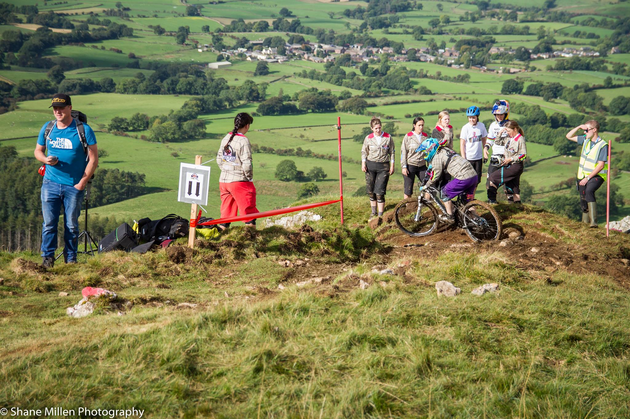 red bull foxhunt rachel atherton jenny nutall