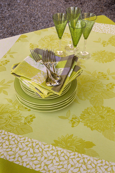 Pafums de Bagatelle Freesia Cotton Tablecloth Napkins and Table Setting