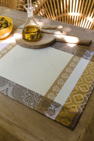 Bastide Ivory Placemat Setting