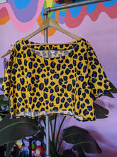 Load image into Gallery viewer, Leopard Cropped Top