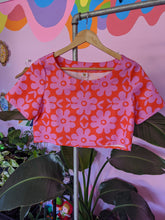 Load image into Gallery viewer, Pink and Red Floral Cropped Top