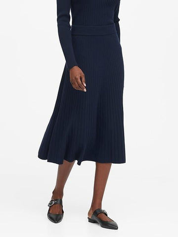 Ribbed Midi Sweater Skirt in Navy