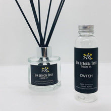Load image into Gallery viewer, Cwtch Black Reed Diffuser - Dark Honey & Vanilla - The Lemon Tree Candle Company