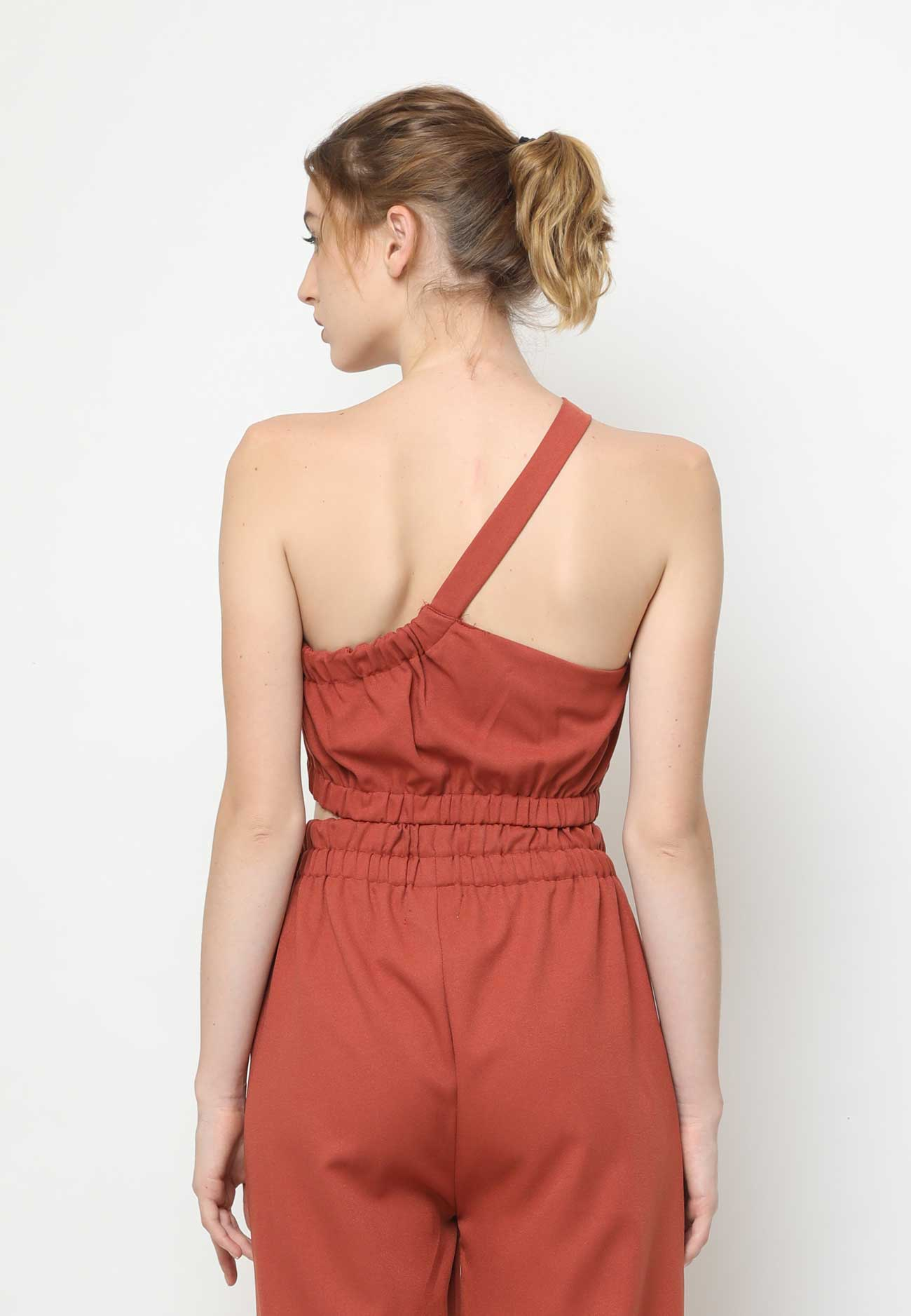 Clea. One Shoulder Crop Top - Brick Red