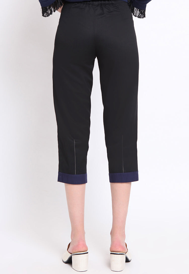 Dorset. Quarter Pants - Blue