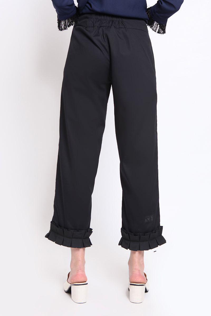 Petra. Rumple Pants - Black