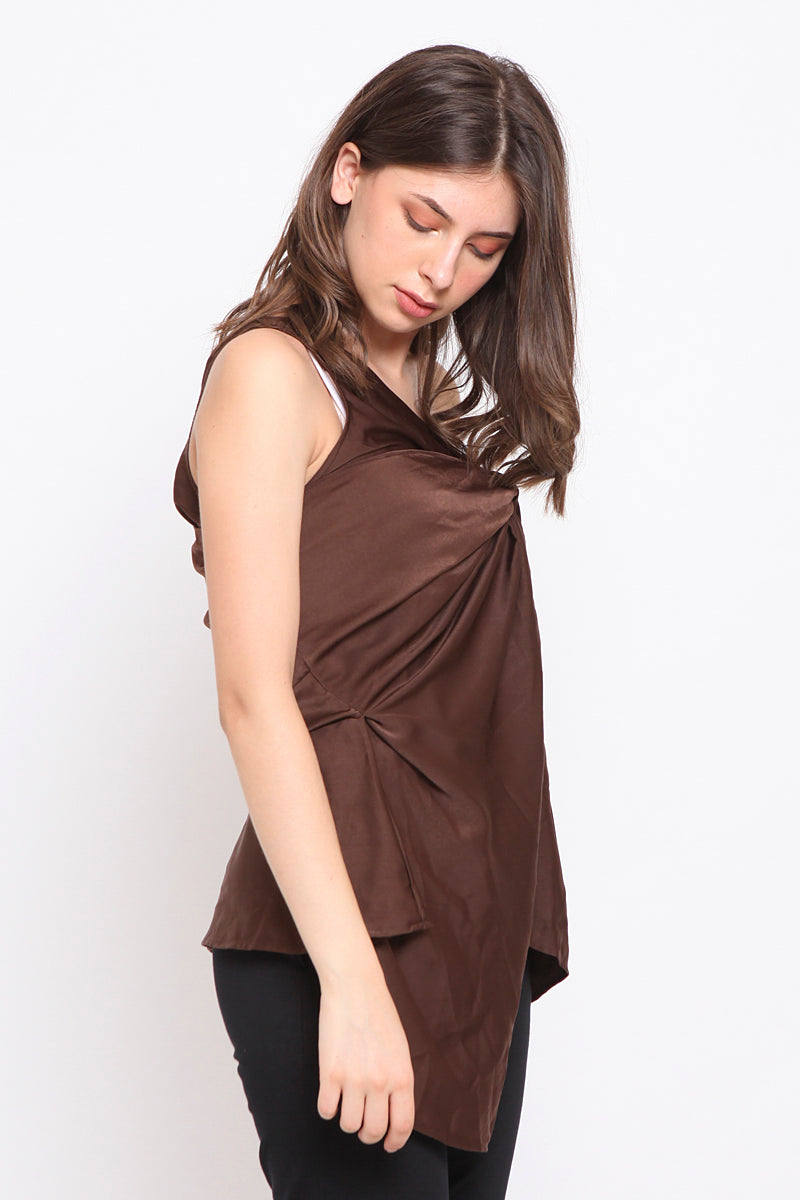 Wanda. One Shoulder Top - Brown