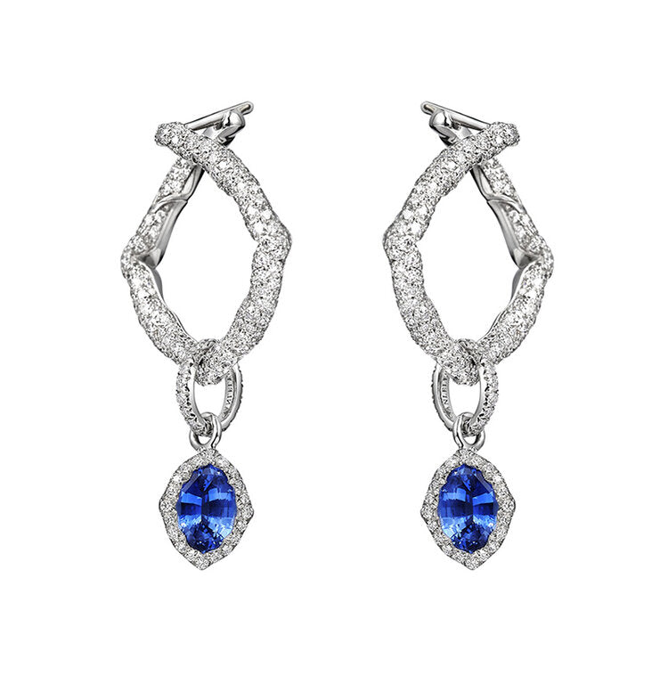 Earrings crafted in 18K White Gold The Nile Collection