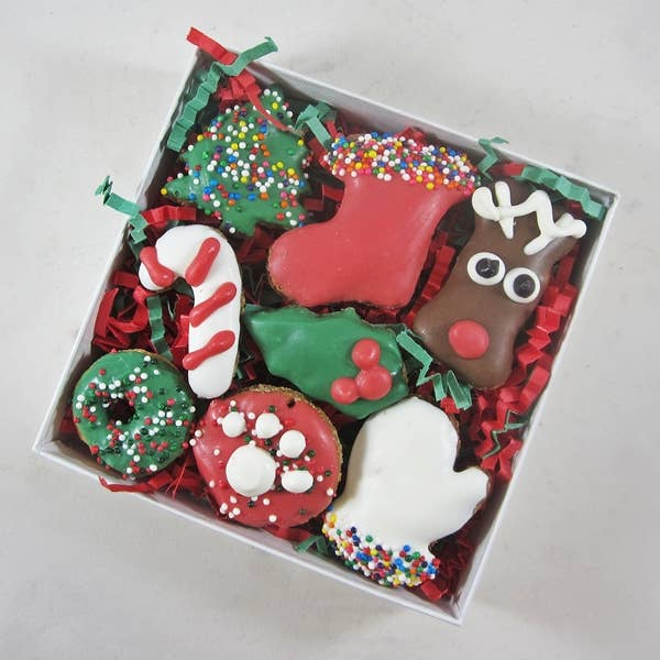 Dog Park Publishing - Mini 7 Piece Christmas Dog Treat Assortment - Dog Treats