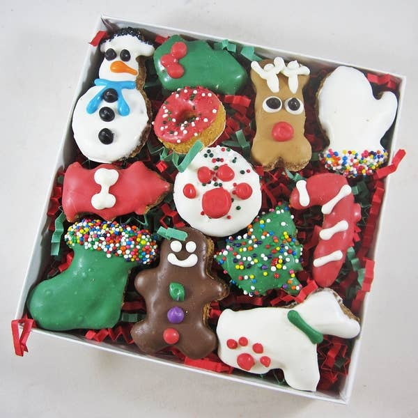 Dog Park Publishing - 12 Piece Christmas Dog Treat Assortment - Dog Treats