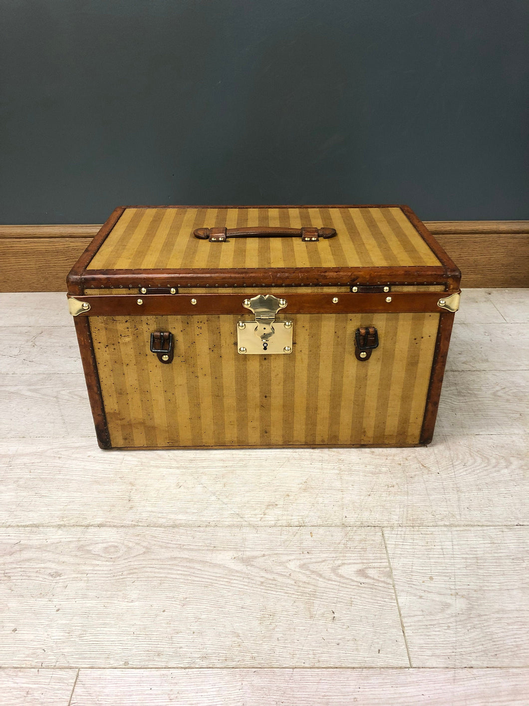 1870s Louis Vuitton Special Rayee Hatbox
