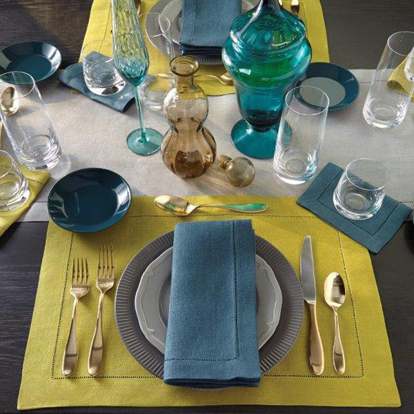 SFERRA Festival in bold colors adds a carefree vibe and an attractive pop of color to your table.