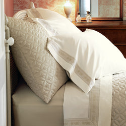 Nancy Koltes Eleanor's Ribbon Bedding - Bisque/Ivory