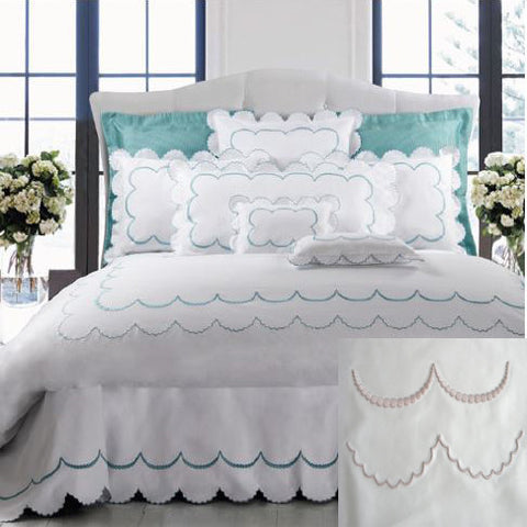 Dea Campanella Embroidered Bedding - White/Lilac