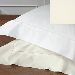 Nancy Koltes Perla Bedding - Ivory