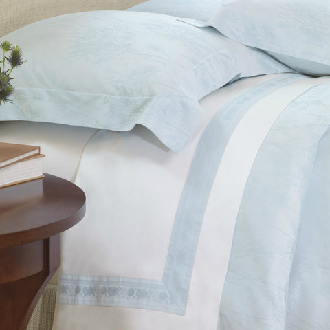 Nancy Koltes Eleanor's Ribbon Bedding - Marine/White
