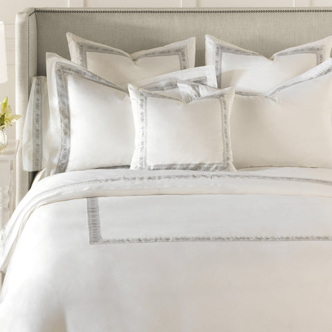 Nancy Koltes Eleanor's Ribbon Bedding - Silver/White