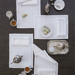 Sferra Perry Table Linens - White/Putty