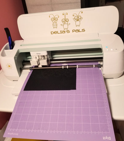 Cricut for the utterly challenged, how Cricut works,  unboxing your Cricut, Basics of Cricut