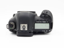 Load image into Gallery viewer, Canon EOS 5D Mark IV 30.4 MP Full Frame Body - USED