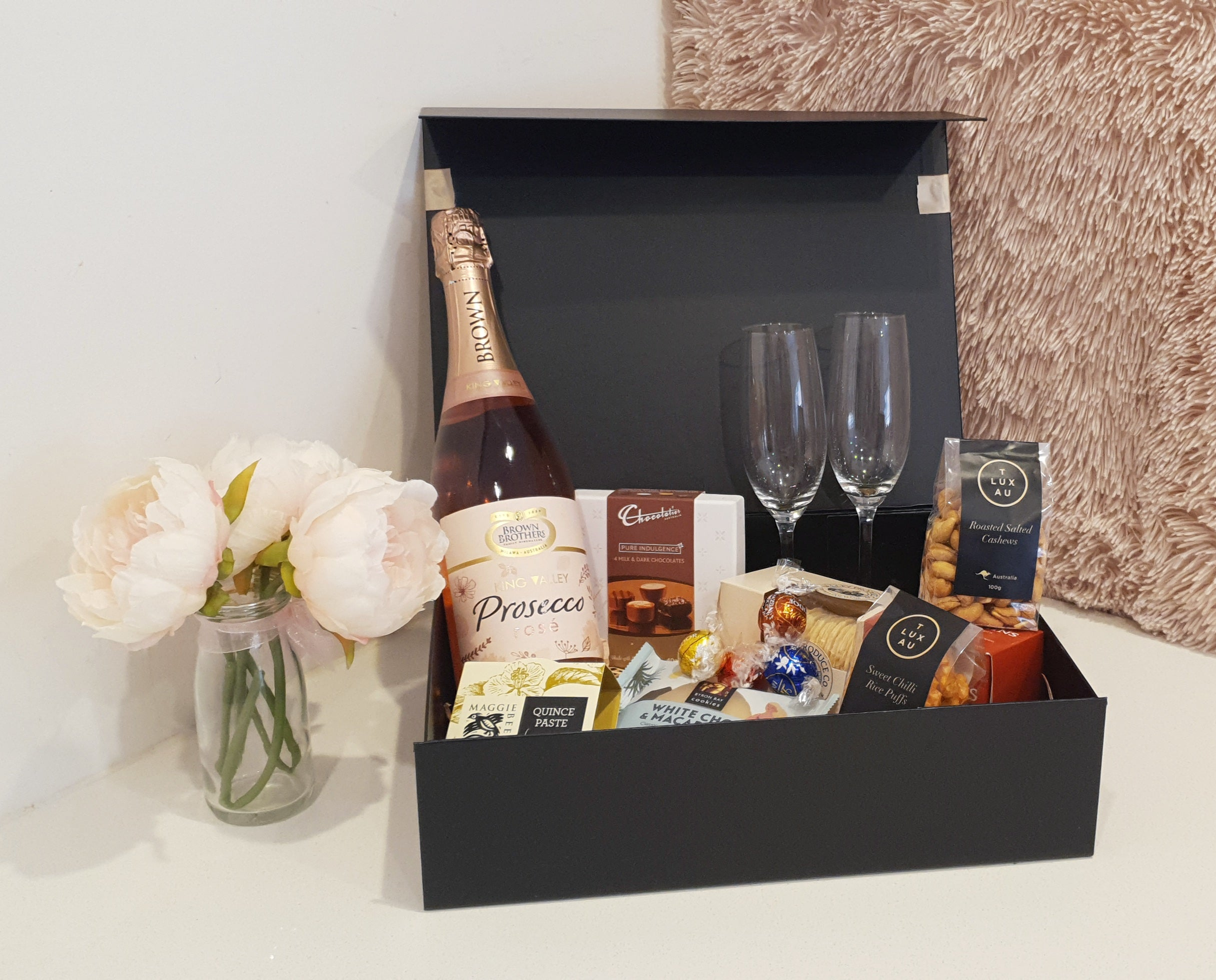 Sparkling Rose Hamper