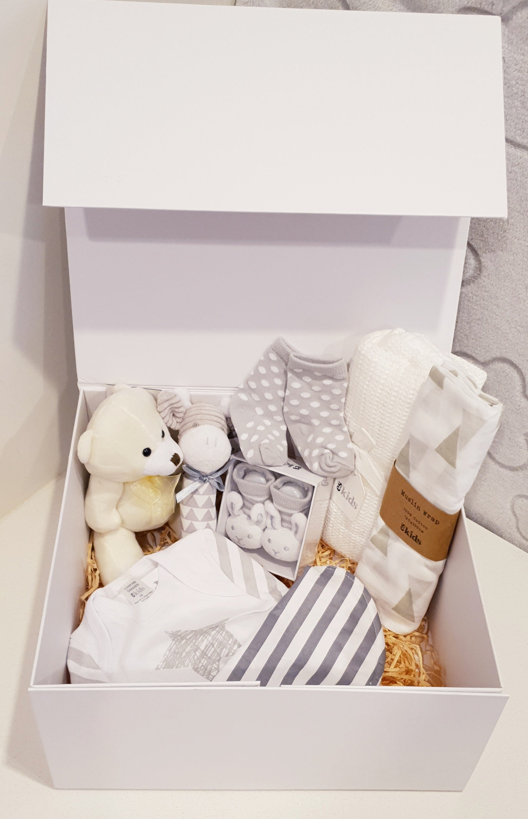 For a Beautiful Baby Hamper