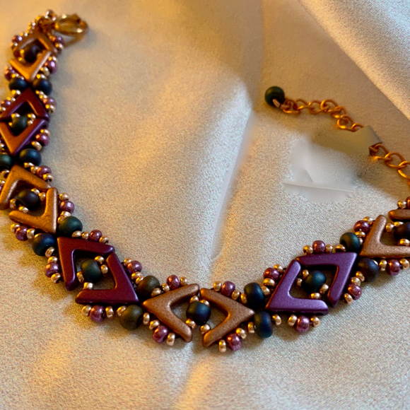 Bracelet with seed beads and Czech glass elements