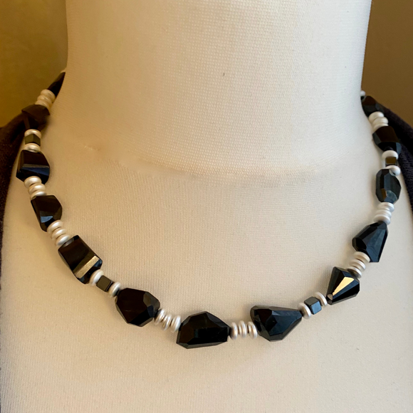 Black agate and silver coated hematite necklace  18