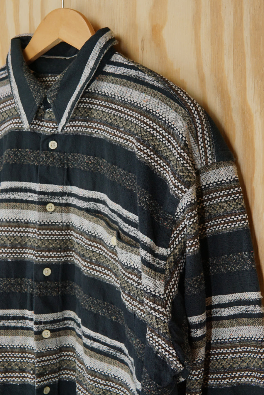 "OBEY sweatshirt ""international"" - size S"
