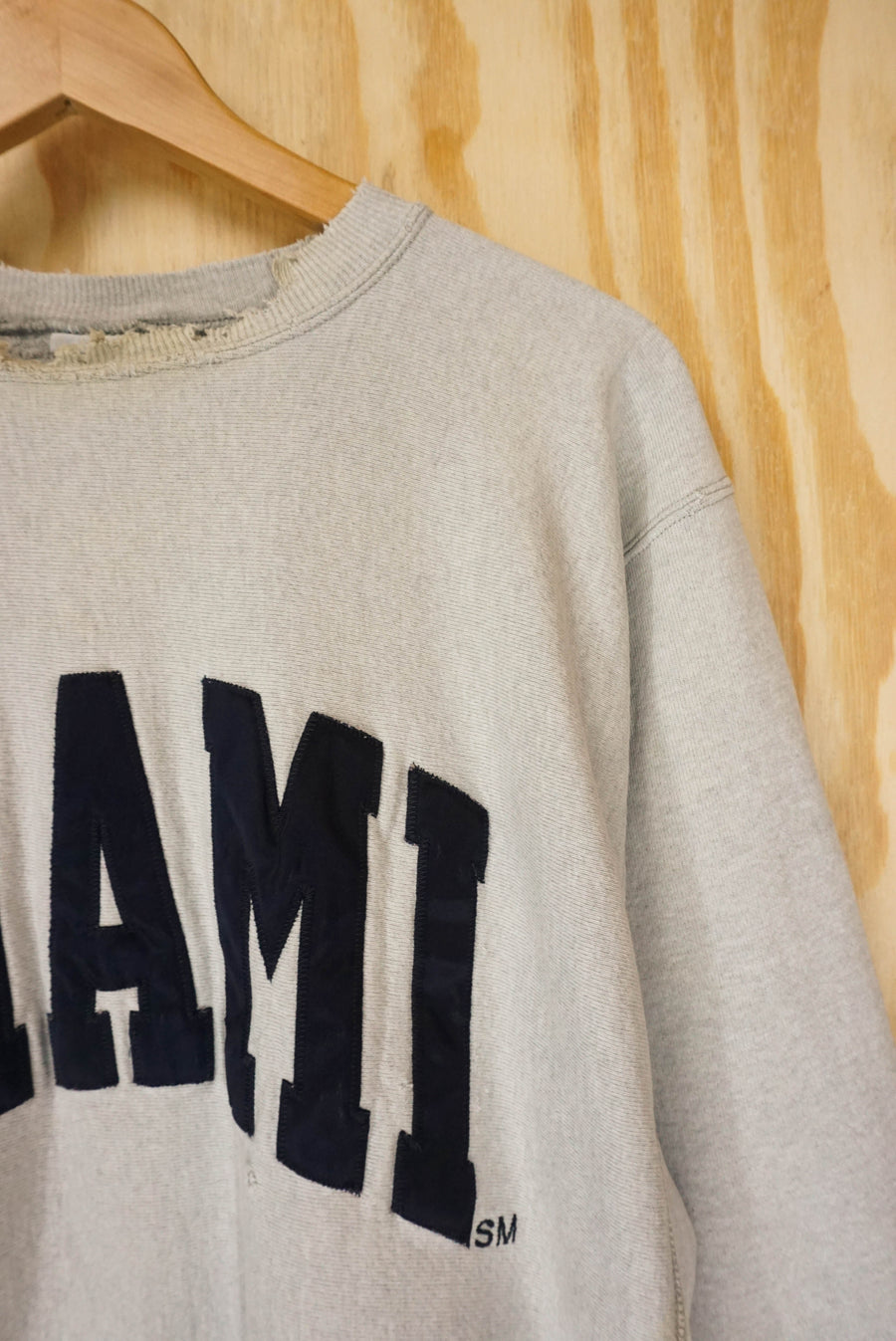 "Champion ""destroyed look"" reverse weave - size L"