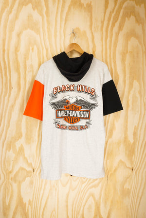 "Harley Davidson ""Black Hills Rally"" multi-coloured hood tee - size L"