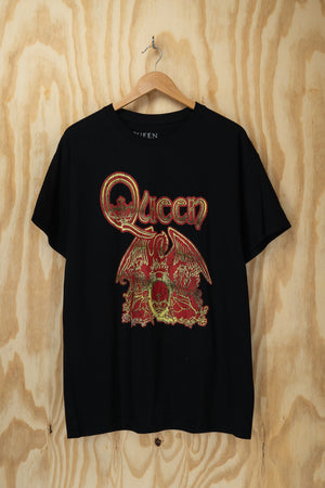 Queen emblem band tee - size L