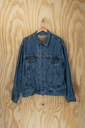 Levis denim jacket - size L