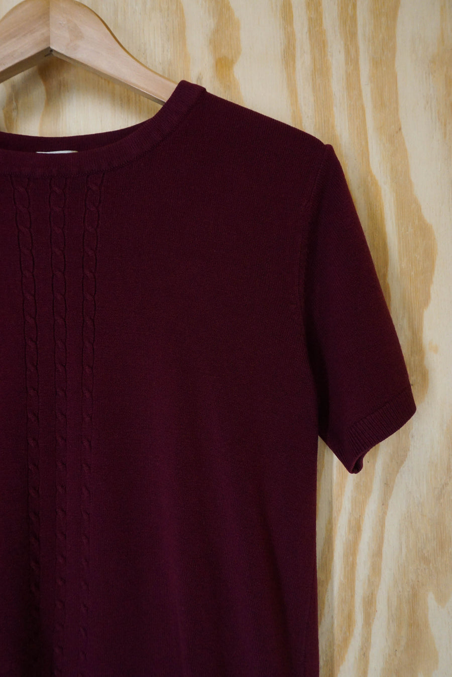 Short sleeve knit top maroon - size M/L