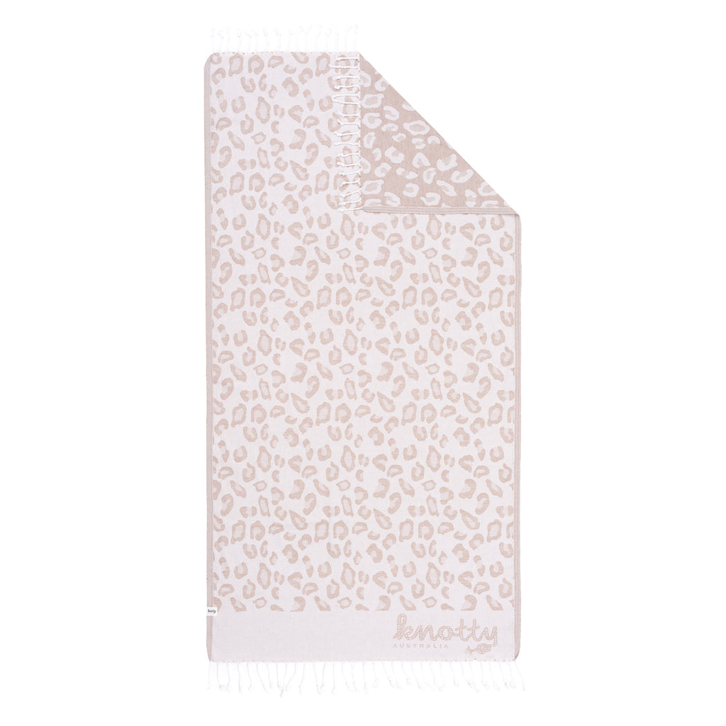 Knotty goes wild - TAUPE Leopard design towel
