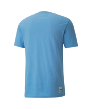 Load image into Gallery viewer, Men's Puma Manchester City Futbol Core Graphic Tee