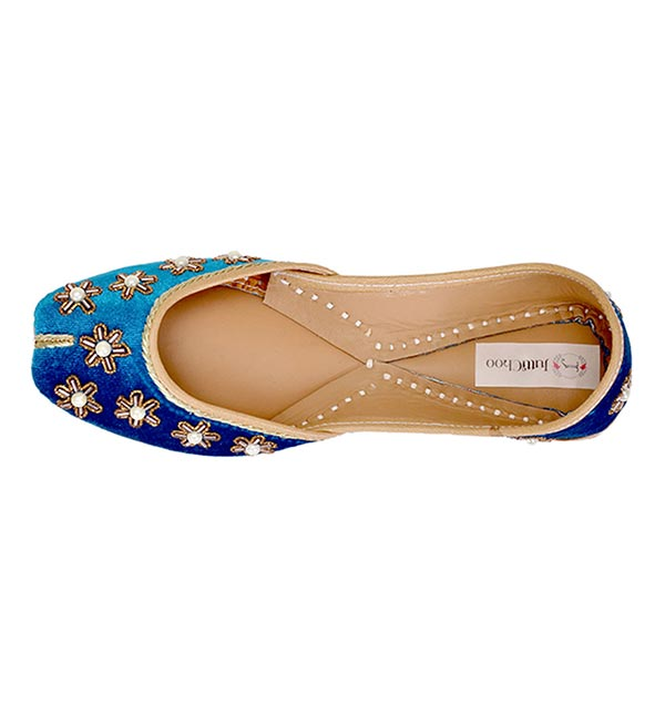 Ocean Blue Color Punjabi Juttis