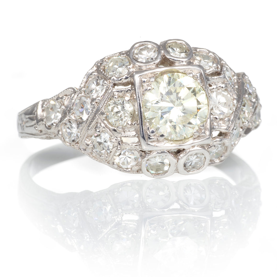 Diamond Detailed Vintage Ring in 14K White Gold