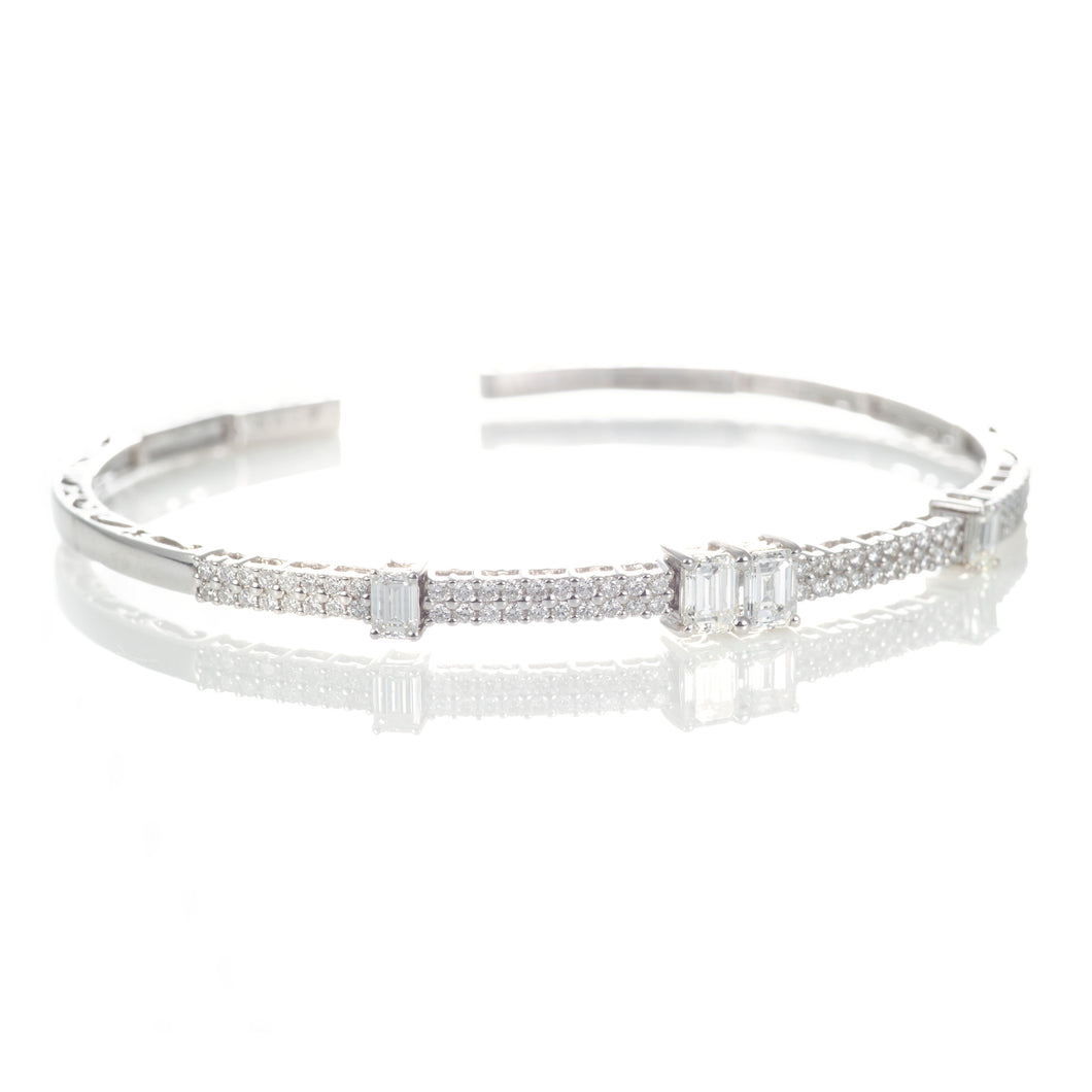 Dazzling Diamond Bracelet with Emerald Cut and Round Cut Diamonds in 18K White Gold