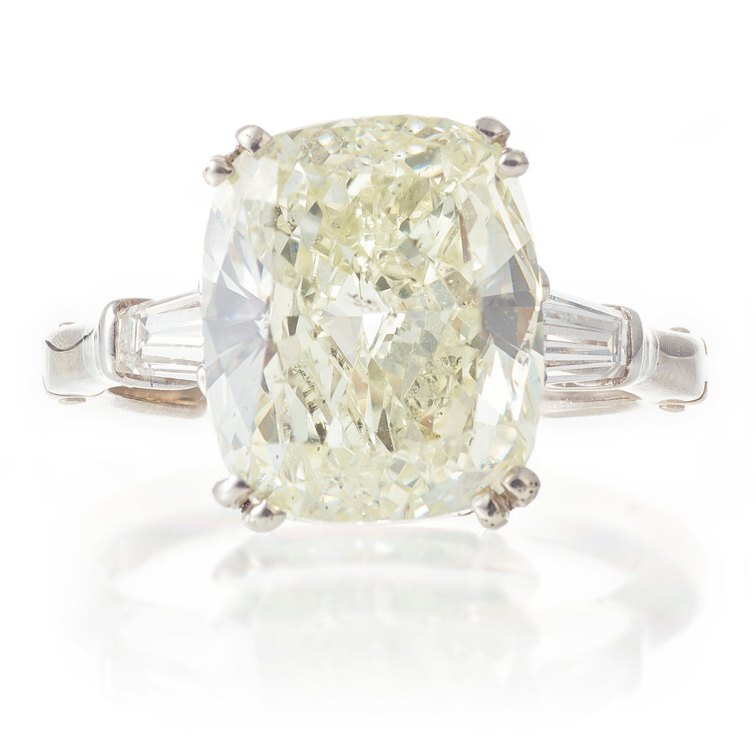 Vintage / Estate 5ct Cushion Cut Diamond Ring in Platinum