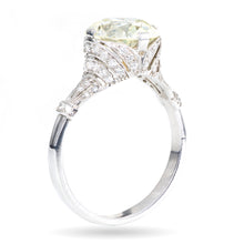 Load image into Gallery viewer, Estate / Vintage Round Cut Diamond Ring in Platinum