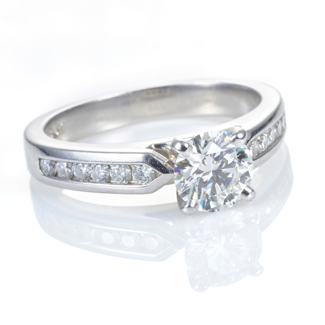 Round Brilliant Cut with Channel Band Ring (Platinum)